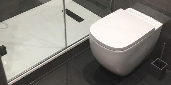 home-slide-1240x718-shower-room